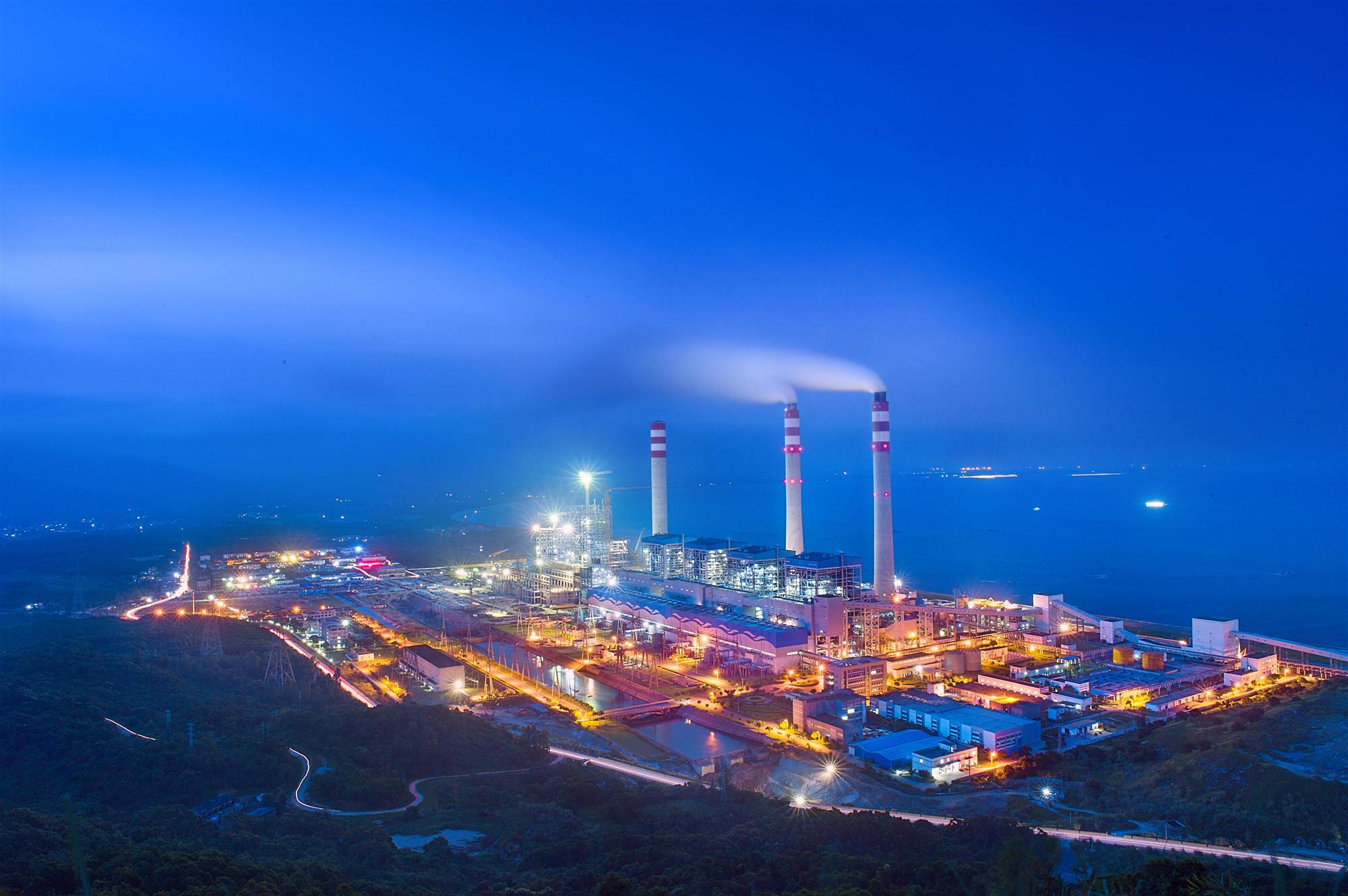 世界首个124万千瓦高效超超临界燃煤发电工程建成投产